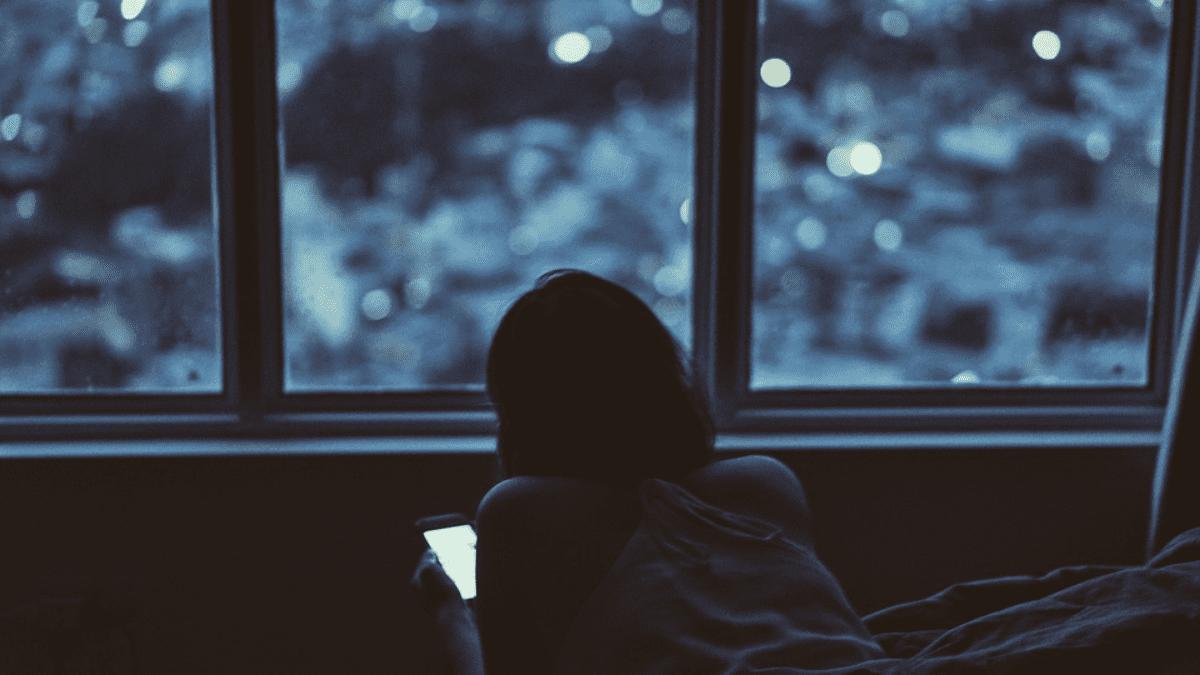 ブルーライト 睡眠 画像1
